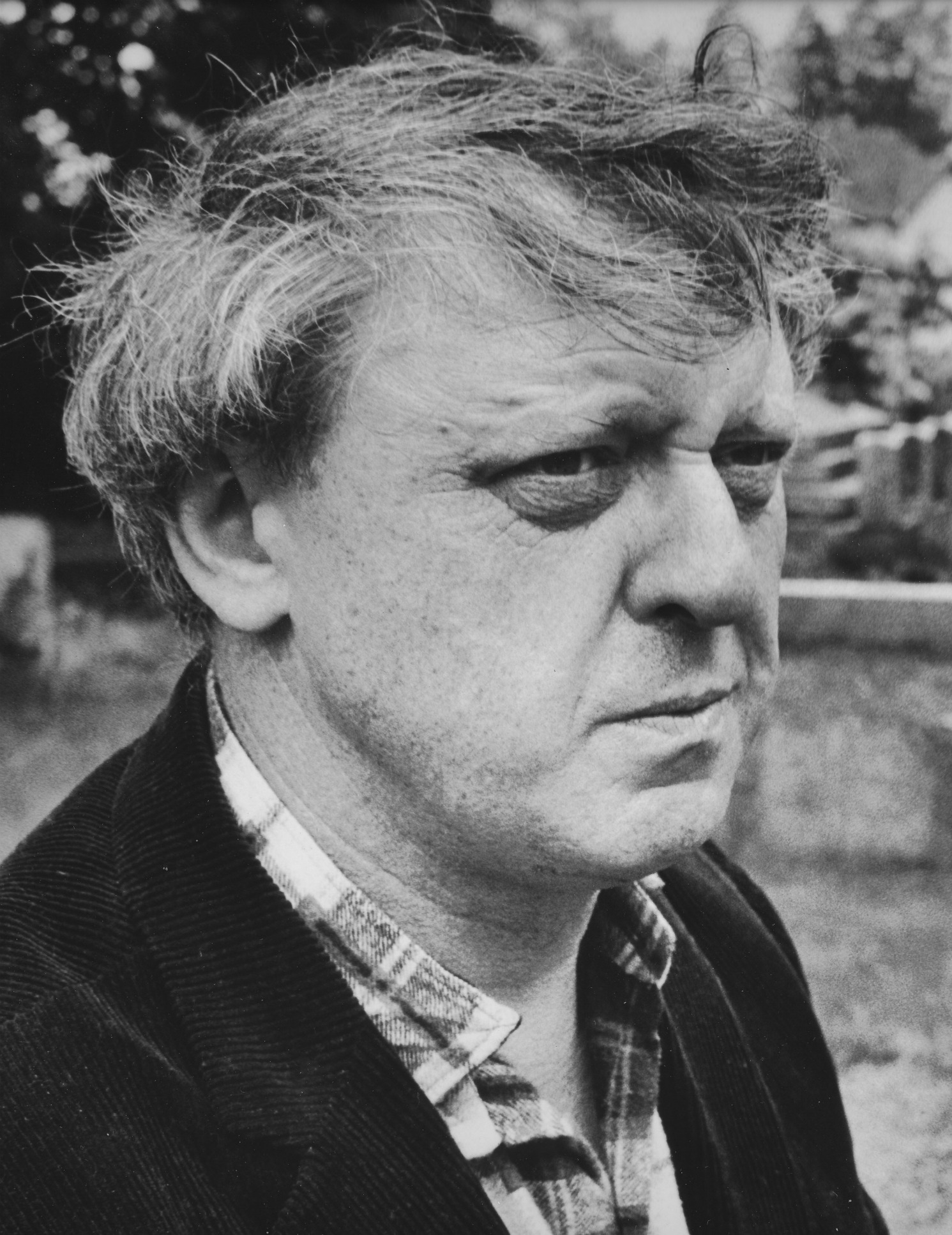 a biography of anthony burgess an english novelist John wilson, aka anthony burgess, died in november 1993 the author of 32 novels, various televison/film scripts, translations from various languages of plays, opera libretti, etc, a composer in his own right, a televison personality, teacher, member of the royal society of literature, etc etc.